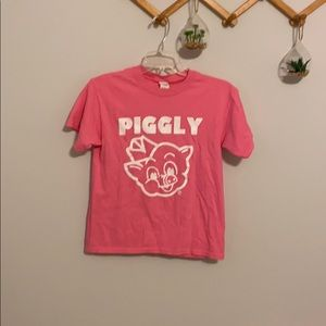 Tops - Vintage style Piggly Wiggly shirt